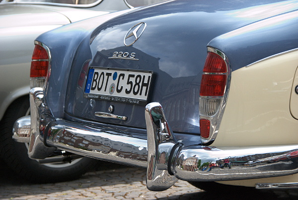 Mercedes 220S rear view