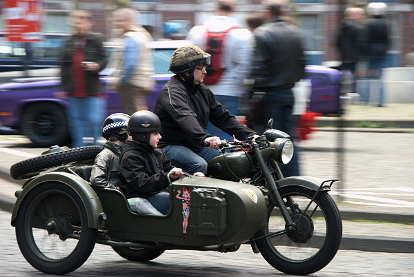 motor bike with side car